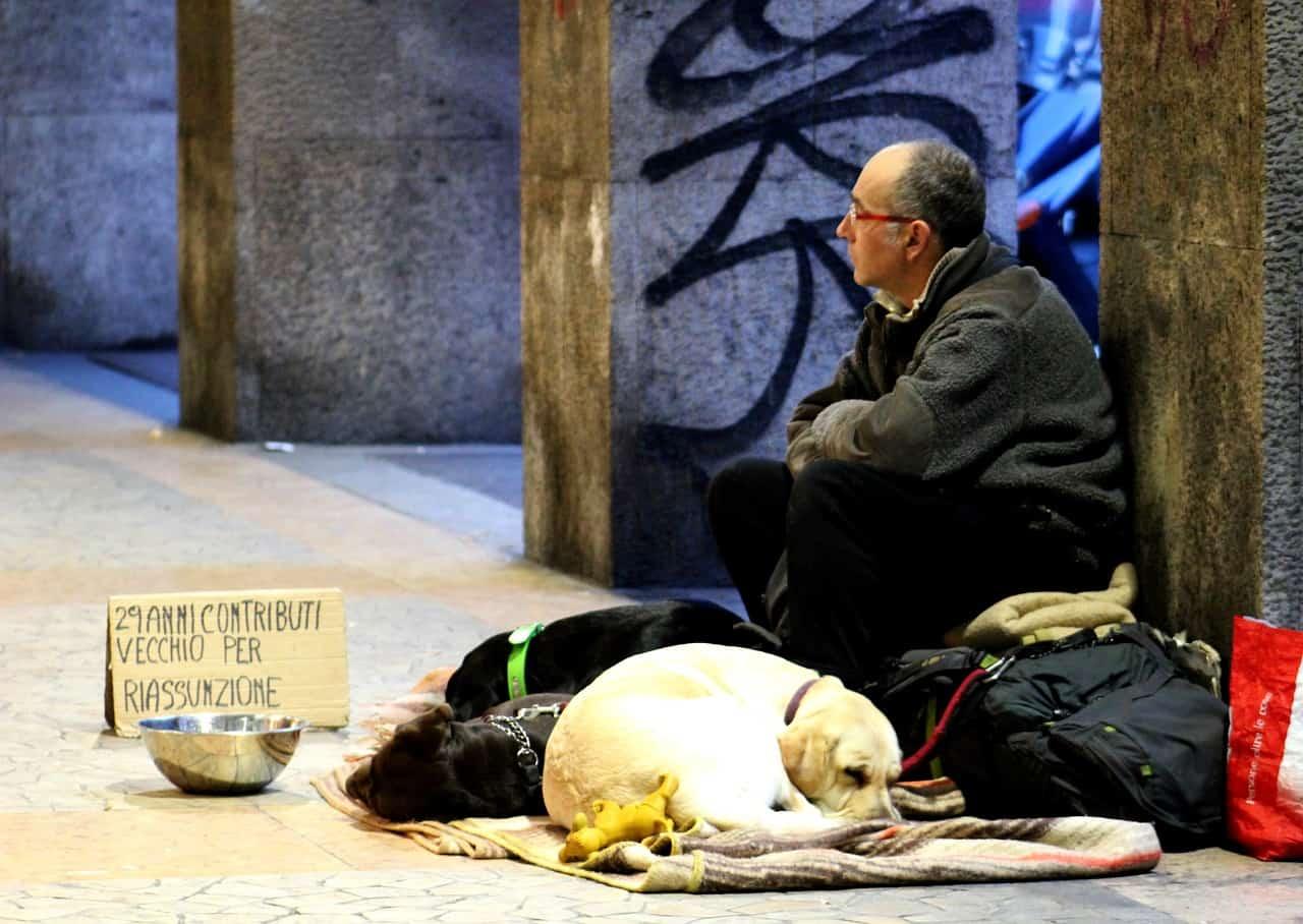 Unfassbar! Ordnungsamt nimmt Obdachlosen seinen Hund weg.